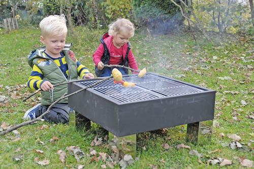 feuerstelle mit grillfunktion transport. Black Bedroom Furniture Sets. Home Design Ideas